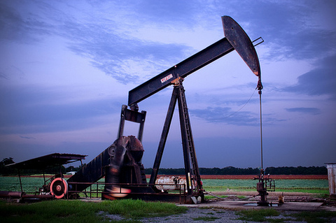 oil_well-thumb-480xauto-1050